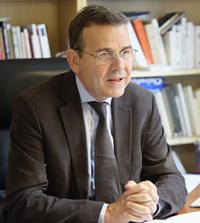 Portrait d'Antoine GARAPON, secrétaire général de l'Institut des hautes études sur la Justice (IHEJ). Paris, le 15 octobre 2013